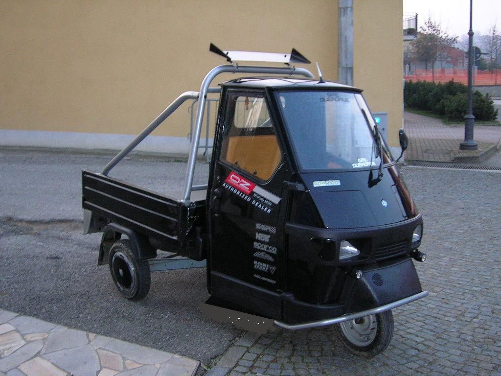 ape cross 50 with 25 km h accreditation car photo and specs. Black Bedroom Furniture Sets. Home Design Ideas